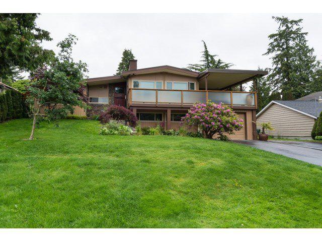 "Main Photo: 6526 HILLSIDE Crescent in Delta: Sunshine Hills Woods House for sale in ""SUNSHINE HILLS"" (N. Delta)  : MLS®# R2074271"