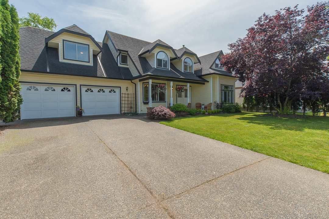 """Main Photo: 21554 51 Avenue in Langley: Murrayville House for sale in """"Murrayville"""" : MLS®# R2078265"""