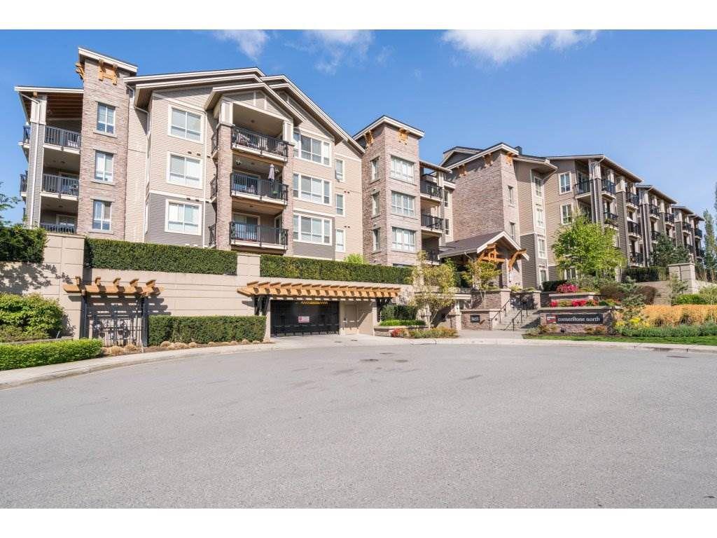 "Main Photo: 301 5655 210A Street in Langley: Salmon River Condo for sale in ""CORNERSTONE NORTH"" : MLS®# R2160862"