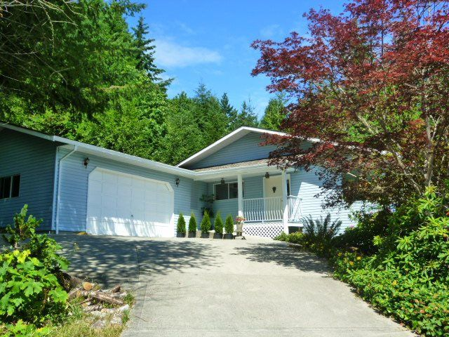 Main Photo: 6016 PARKVIEW Place in Sechelt: Sechelt District House for sale (Sunshine Coast)  : MLS®# R2188098
