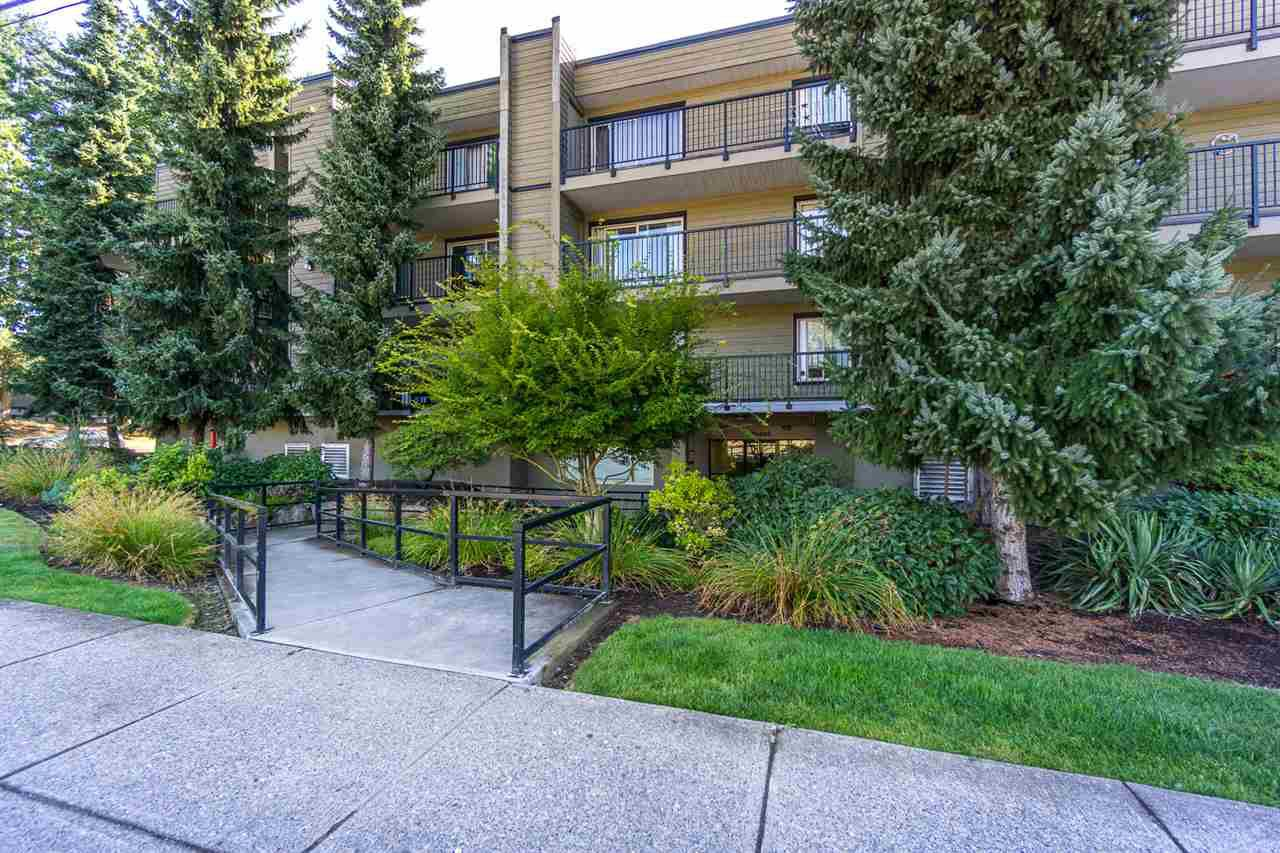 "Main Photo: 108 10468 148 Street in Surrey: Guildford Condo for sale in ""Guilford Greene"" (North Surrey)  : MLS®# R2199586"