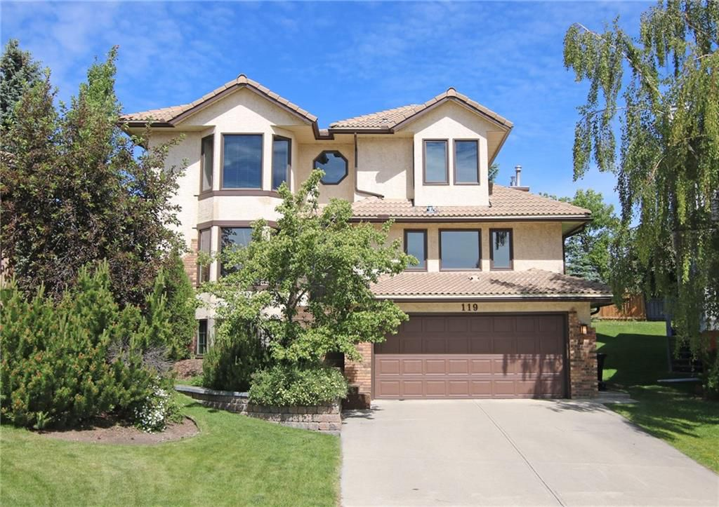 Main Photo: 119 Edelweiss Place NW in Calgary: Detached for sale : MLS®# C4123417