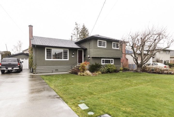 Main Photo: 3811 ROYALMORE Avenue in Richmond: Seafair House for sale : MLS®# R2244352