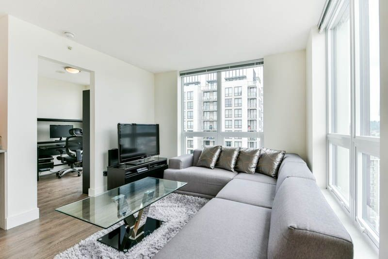 Photo 4: Photos: 2608 3007 GLEN Drive in Coquitlam: North Coquitlam Condo for sale : MLS®# R2246438