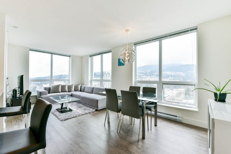 Photo 3: Photos: 2608 3007 GLEN Drive in Coquitlam: North Coquitlam Condo for sale : MLS®# R2246438