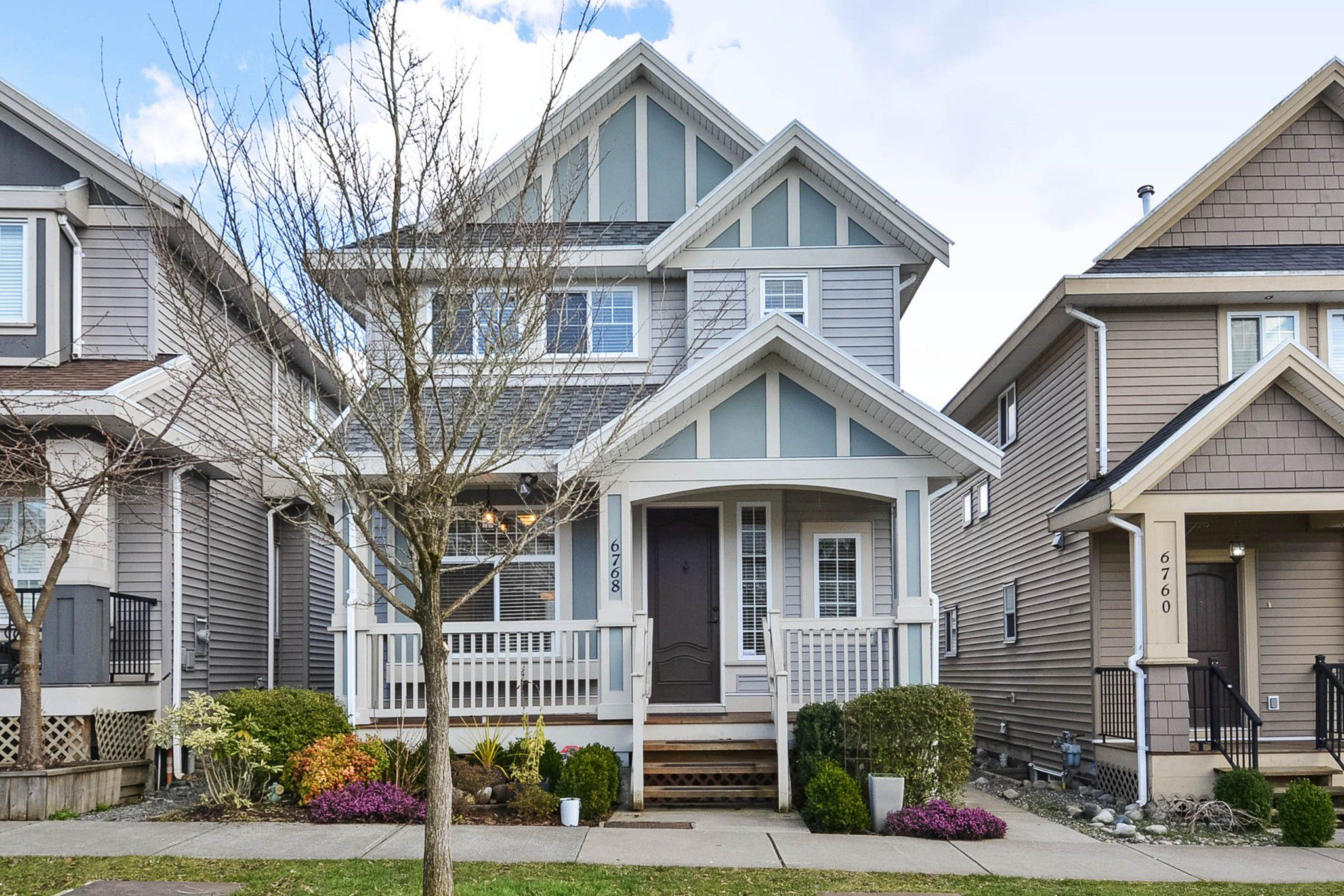 Main Photo: 6768 191A Street in Surrey: Clayton House for sale (Cloverdale)  : MLS®# R2246245
