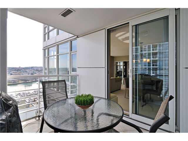 Main Photo: 2606 198 AQUARIUS MEWS in : Yaletown Condo for sale (Vancouver)  : MLS®# V934717