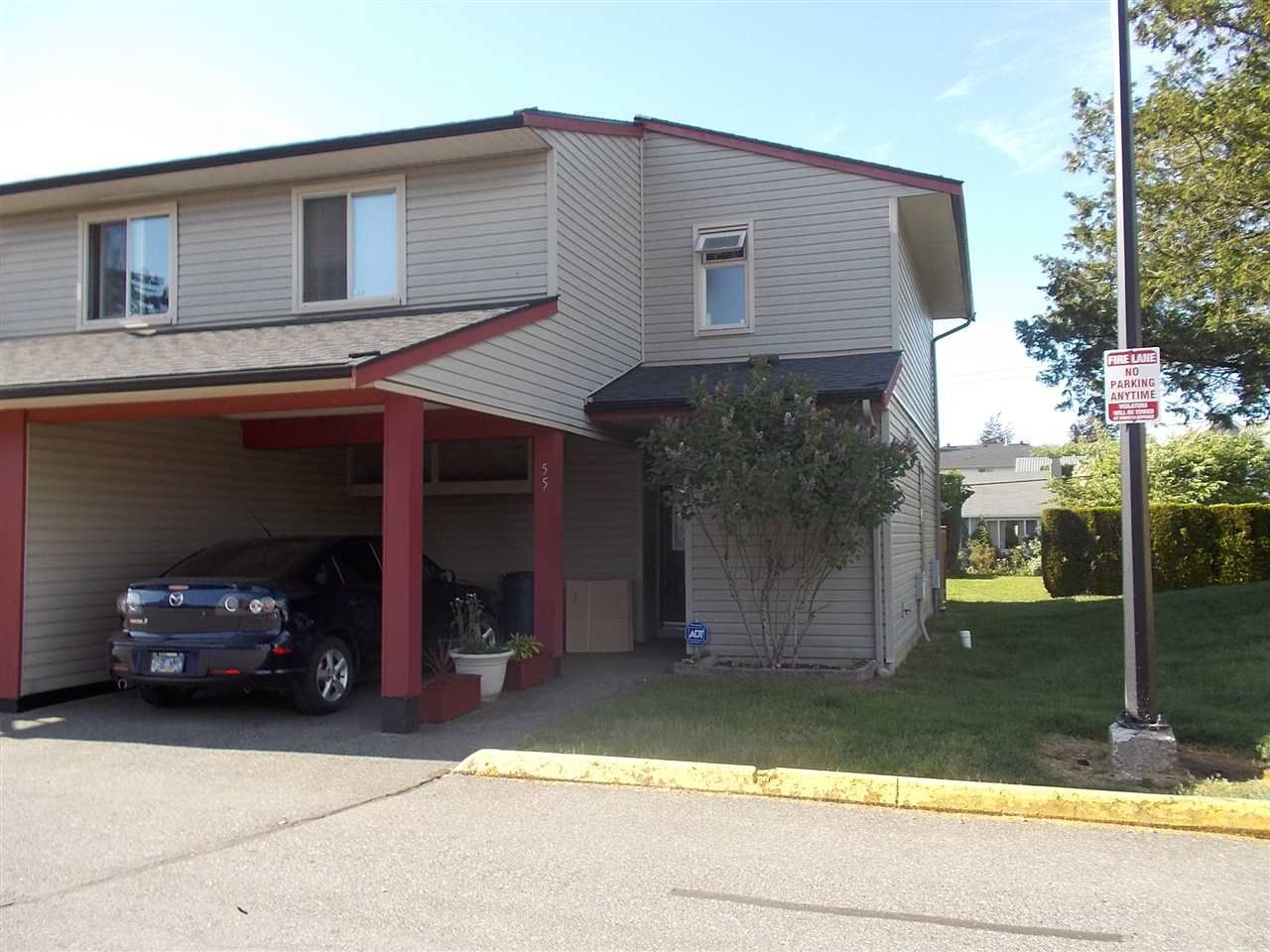 "Main Photo: 55 27456 32 Avenue in Langley: Aldergrove Langley Townhouse for sale in ""Cedar Park"" : MLS®# R2271902"
