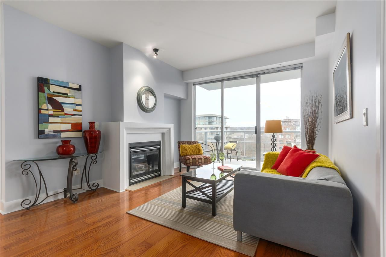 """Main Photo: 506 2655 CRANBERRY Drive in Vancouver: Kitsilano Condo for sale in """"NEW YORKER"""" (Vancouver West)  : MLS®# R2329146"""