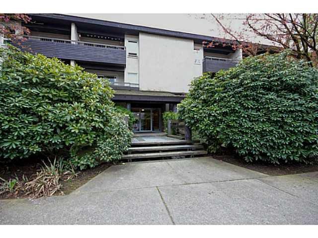 "Main Photo: 206 1420 E 8TH Avenue in Vancouver: Grandview VE Condo for sale in ""Willowbridge"" (Vancouver East)  : MLS®# V1030880"