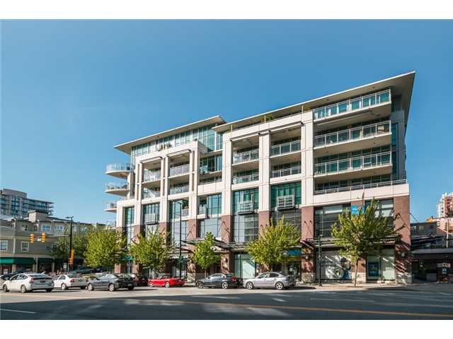"""Main Photo: 409 100 E ESPLANADE Street in North Vancouver: Lower Lonsdale Condo for sale in """"The Landing"""" : MLS®# V1063412"""