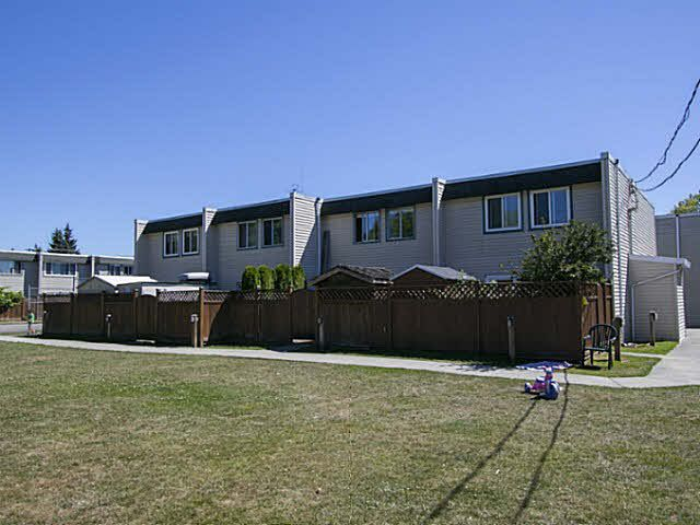 """Photo 17: Photos: 2 4951 57 Street in Ladner: Hawthorne Townhouse for sale in """"THE OASIS"""" : MLS®# V1137084"""