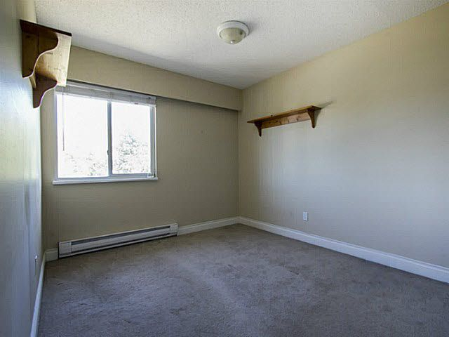 """Photo 15: Photos: 2 4951 57 Street in Ladner: Hawthorne Townhouse for sale in """"THE OASIS"""" : MLS®# V1137084"""