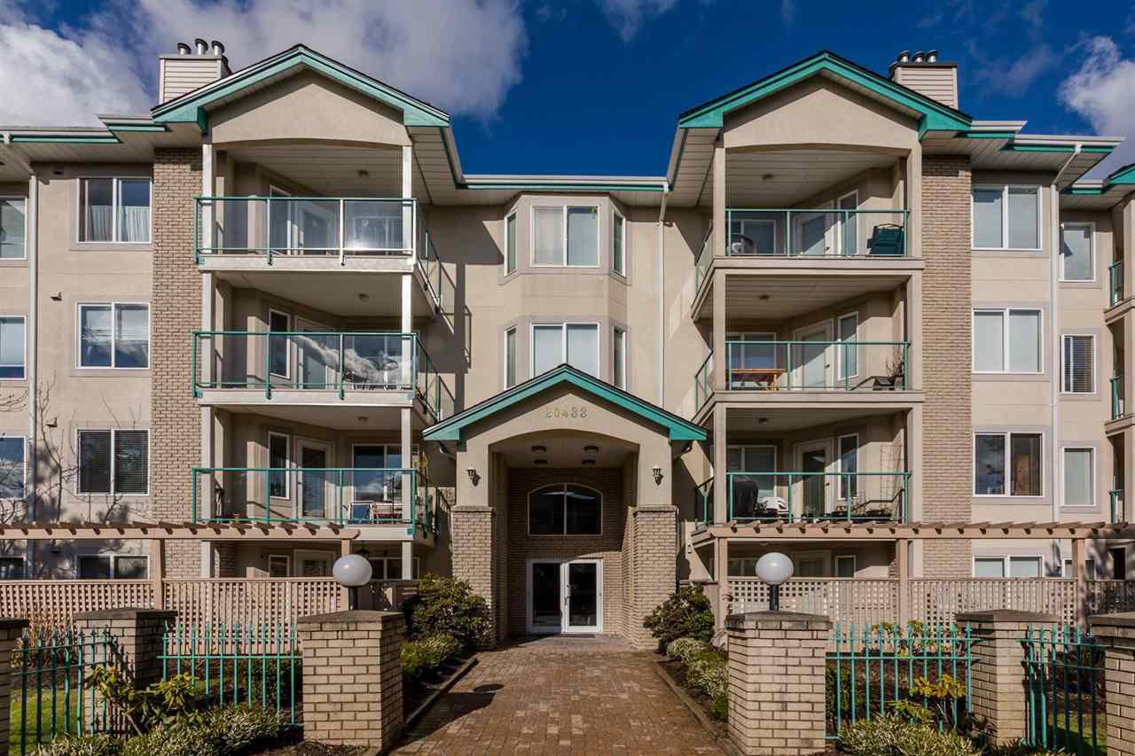 "Main Photo: 108 20433 53 Avenue in Langley: Langley City Condo for sale in ""COUNTRYSIDE ESTATES"" : MLS®# R2141643"