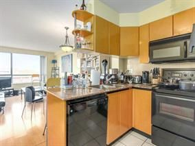 "Main Photo: 2308 1189 HOWE Street in Vancouver: Downtown VW Condo for sale in ""THE GENESIS"" (Vancouver West)  : MLS®# R2169392"