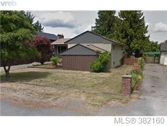 Main Photo: 948 Jenkins Avenue in VICTORIA: La Glen Lake Single Family Detached for sale (Langford)  : MLS®# 382160