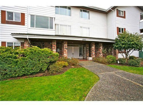 Main Photo: 302 1390 MARTIN Street in South Surrey White Rock: Home for sale : MLS®# F1427952