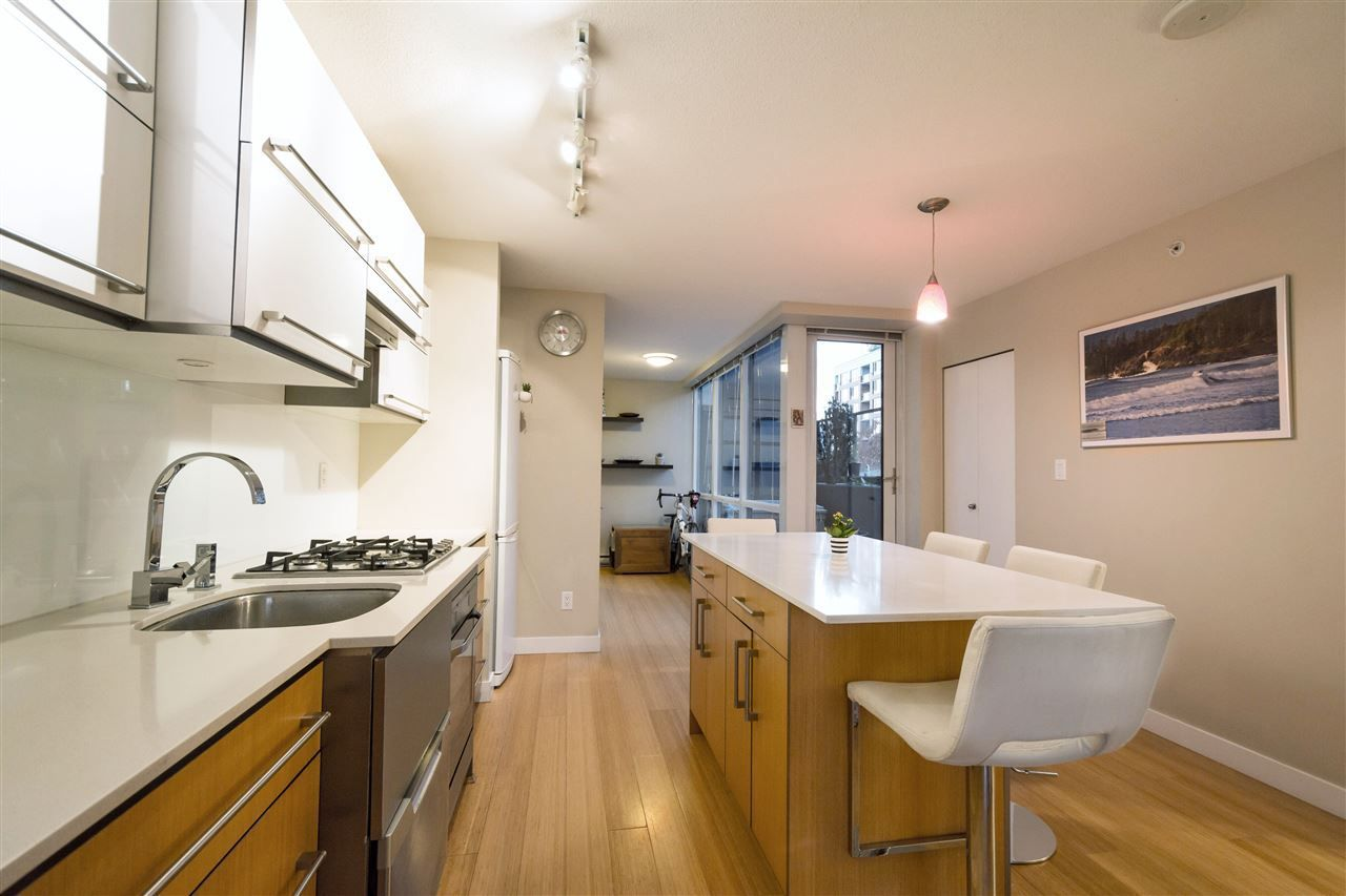 "Main Photo: 506 718 MAIN Street in Vancouver: Mount Pleasant VE Condo for sale in ""Ginger"" (Vancouver East)  : MLS®# R2219470"