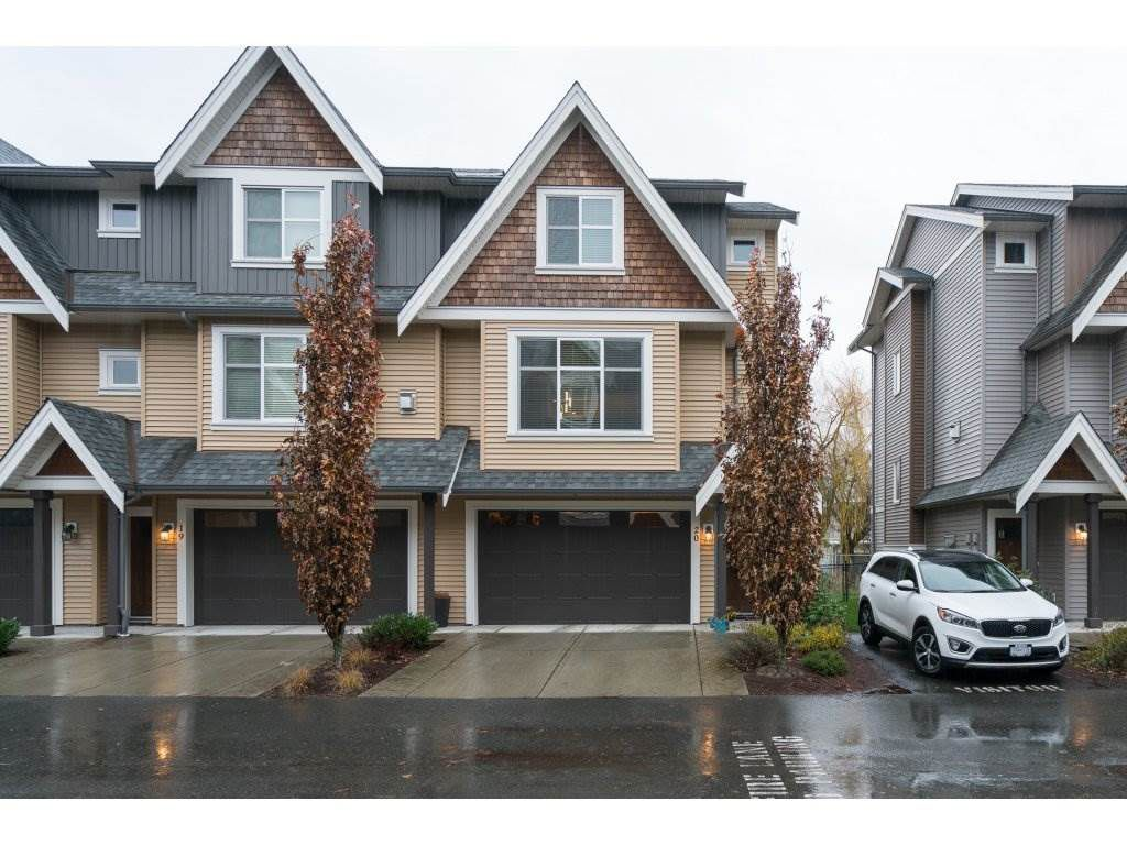 "Main Photo: 20 7428 EVANS Road in Sardis: Sardis West Vedder Rd Townhouse for sale in ""COUNTRYSIDE ESTATES"" : MLS®# R2224939"