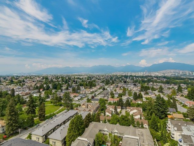 "Main Photo: 1904 5645 BARKER Avenue in Burnaby: Central Park BS Condo for sale in ""CENTRAL PARK PLACE"" (Burnaby South)  : MLS®# R2253984"