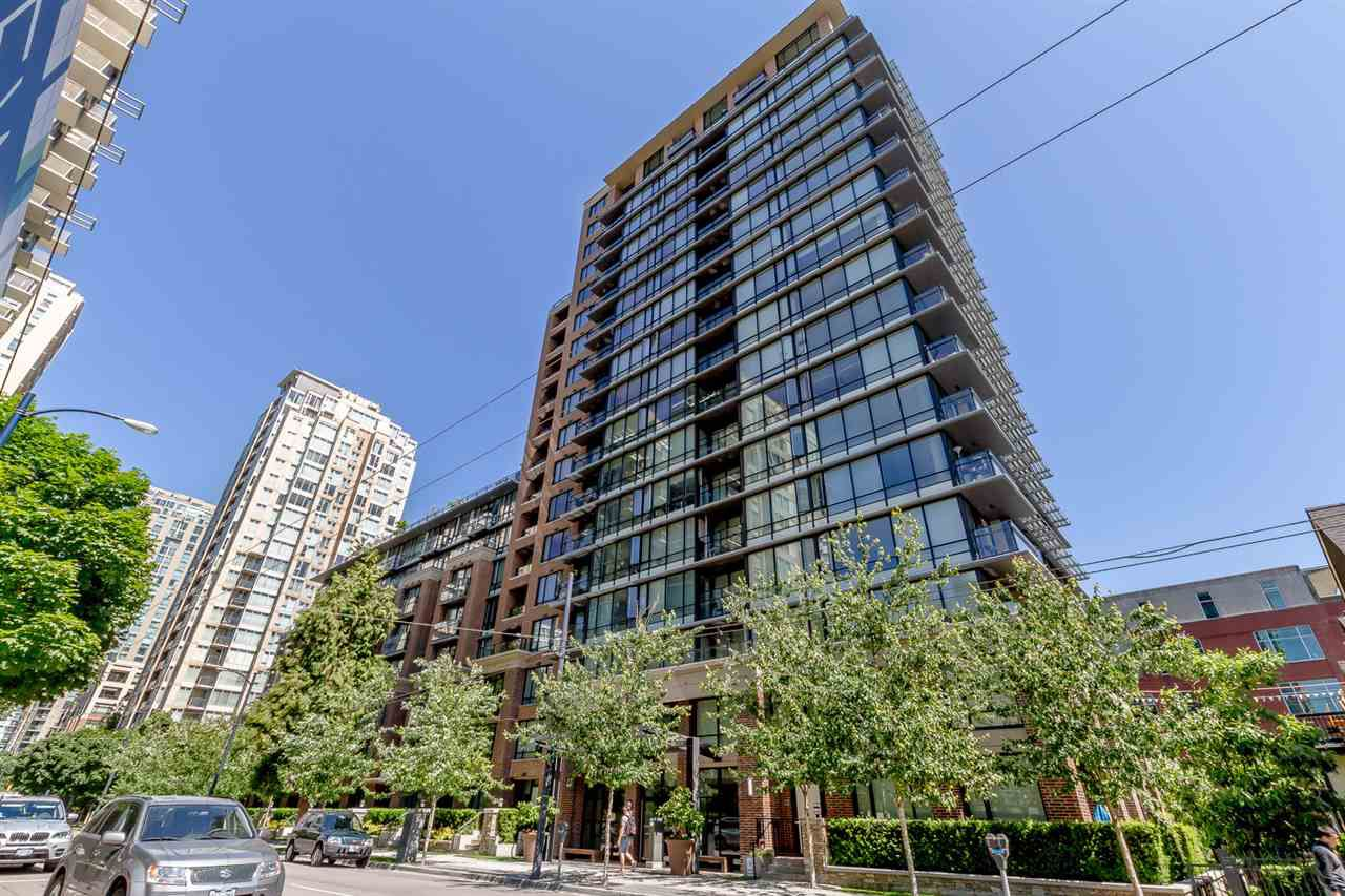 "Main Photo: 405 1088 RICHARDS Street in Vancouver: Yaletown Condo for sale in ""RICHARDS LIVING"" (Vancouver West)  : MLS®# R2261432"