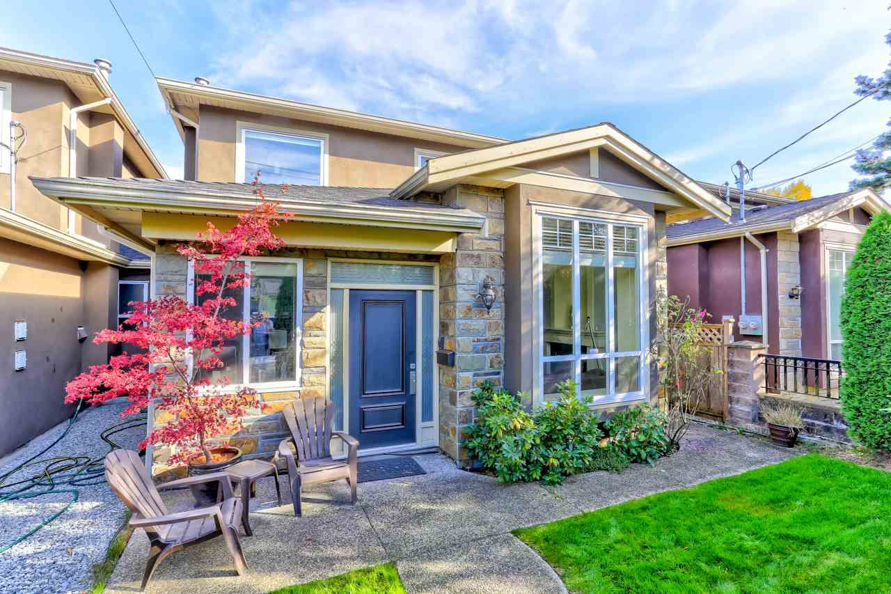 Main Photo: 922 SPERLING Avenue in Burnaby: Sperling-Duthie House 1/2 Duplex for sale (Burnaby North)  : MLS®# R2316738