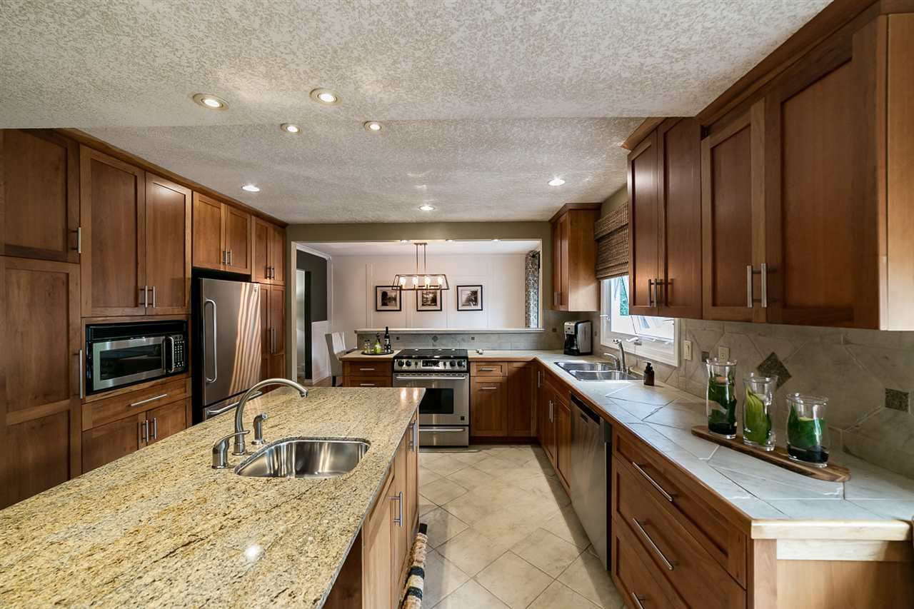 Main Photo: 17 Berrymore Drive: St. Albert House for sale : MLS®# E4139838