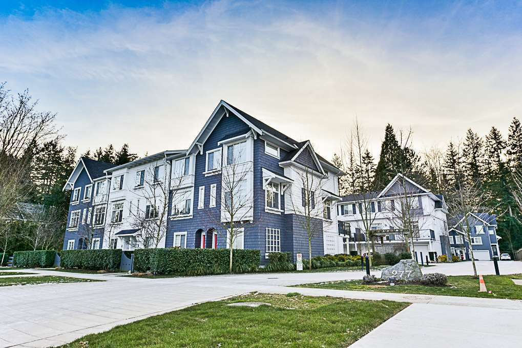 """Main Photo: 4 277 171 Street in Surrey: Pacific Douglas Townhouse for sale in """"On the Course II"""" (South Surrey White Rock)  : MLS®# R2339436"""