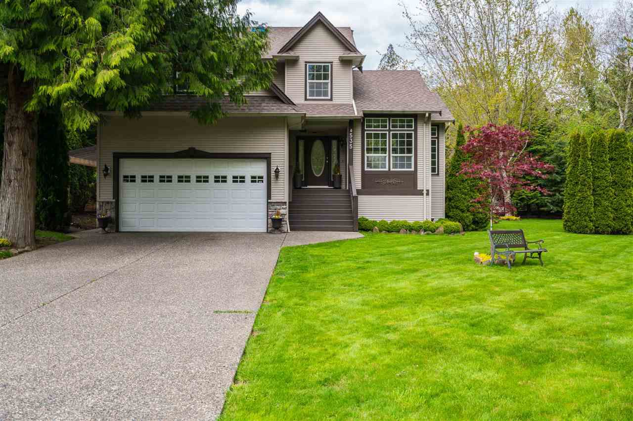 """Main Photo: 535 DRIFTWOOD Avenue: Harrison Hot Springs House for sale in """"Harrison Hot Springs"""" : MLS®# R2363381"""
