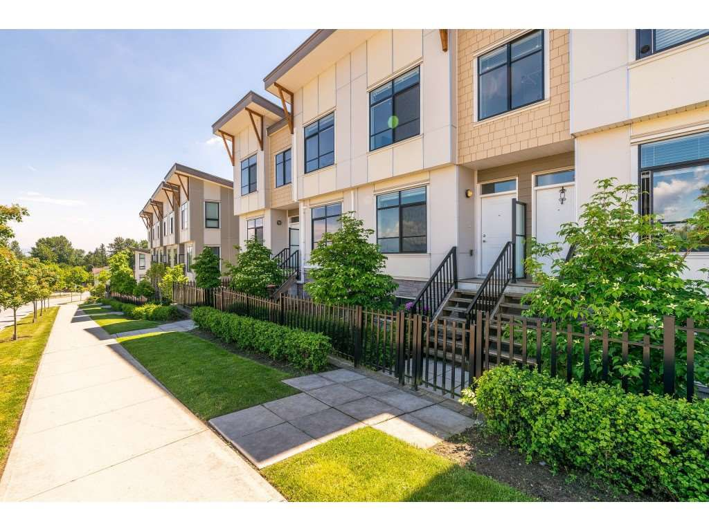 """Main Photo: 101 9989 E BARNSTON Drive in Surrey: Fraser Heights Townhouse for sale in """"Highcrest at Fraser Heights"""" (North Surrey)  : MLS®# R2371201"""