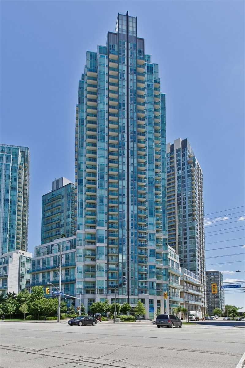 Main Photo: 1804 3939 Duke Of York Boulevard in Mississauga: City Centre Condo for lease : MLS®# W4503363