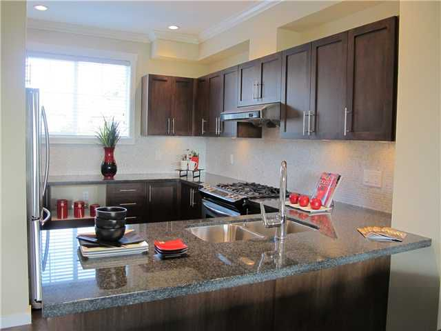 """Main Photo: 8 9580 ALBERTA Road in Richmond: McLennan North Townhouse for sale in """"PARKSIDE ESTATES"""" : MLS®# V895289"""