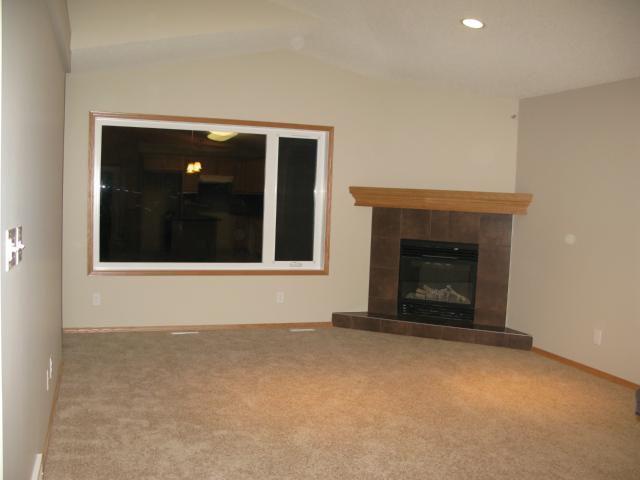 Photo 4: Photos: 16 Bridgewood Drive in WINNIPEG: North Kildonan Single Family Detached for sale (North East Winnipeg)  : MLS®# 1223456