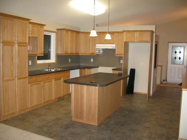 Photo 2: Photos: 16 Bridgewood Drive in WINNIPEG: North Kildonan Single Family Detached for sale (North East Winnipeg)  : MLS®# 1223456