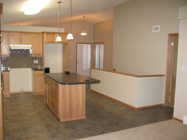 Photo 3: Photos: 16 Bridgewood Drive in WINNIPEG: North Kildonan Single Family Detached for sale (North East Winnipeg)  : MLS®# 1223456