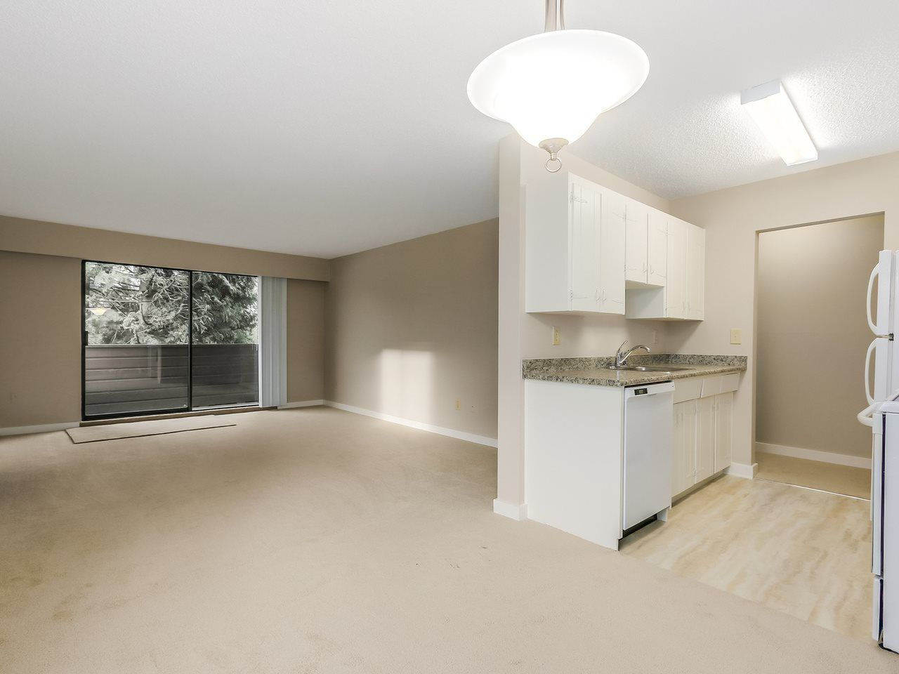 """Main Photo: 201 341 3RD Street in North Vancouver: Central Lonsdale Condo for sale in """"The Lisa"""" : MLS®# R2002990"""