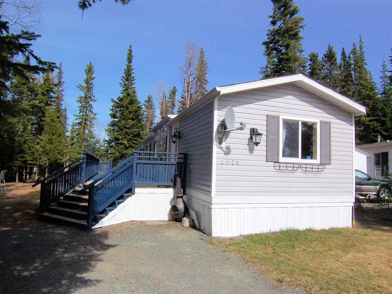 """Main Photo: 3020 THEE Place in Prince George: Emerald Manufactured Home for sale in """"GREENFOREST CRESCENT / THEE"""" (PG City North (Zone 73))  : MLS®# R2040363"""