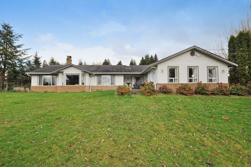 Main Photo: 2752 BRADNER Road in Abbotsford: Aberdeen House for sale : MLS®# R2040855