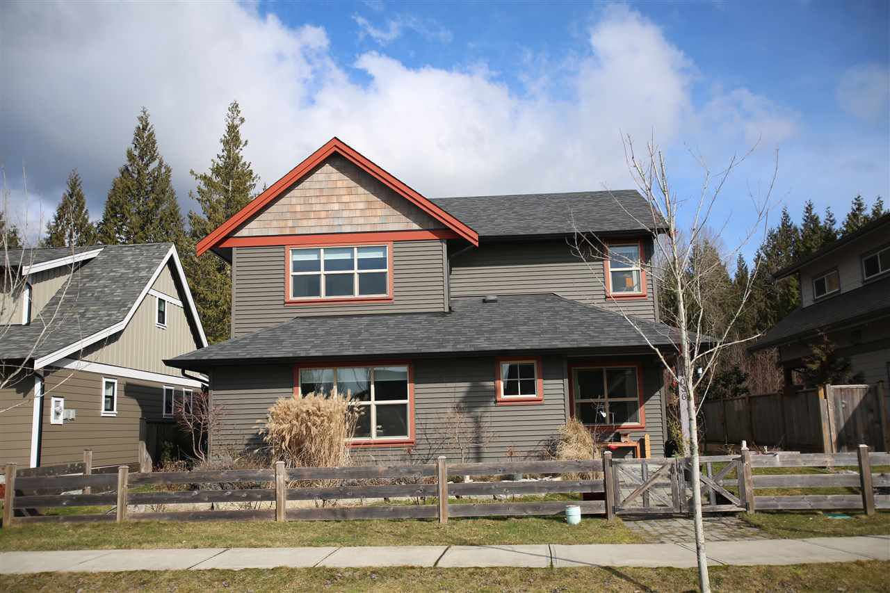Main Photo: 1036 WOODSWORTH Road in Gibsons: Gibsons & Area House for sale (Sunshine Coast)  : MLS®# R2140231