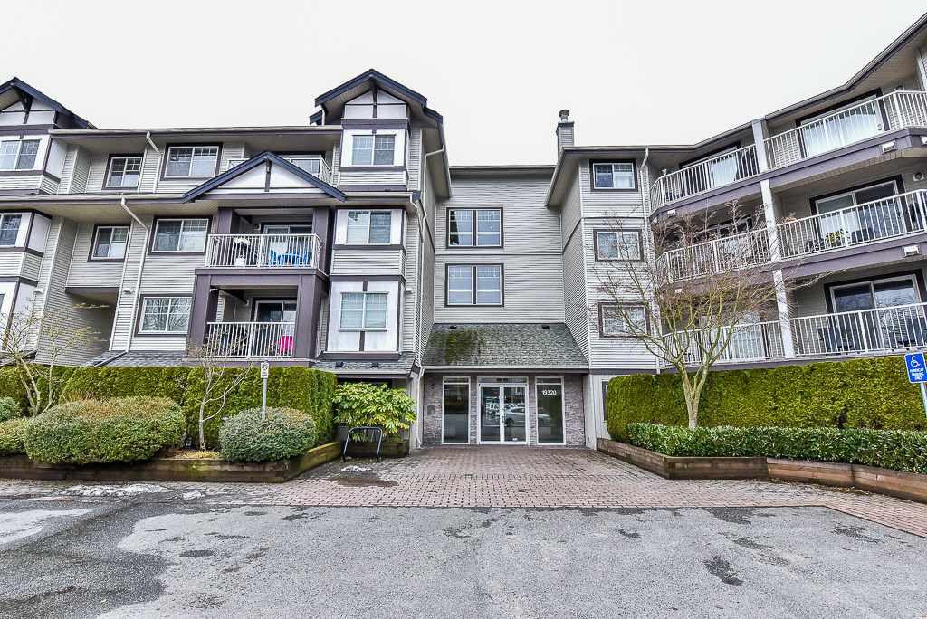 "Main Photo: 206 19320 65 Avenue in Surrey: Clayton Condo for sale in ""ESPRIT"" (Cloverdale)  : MLS®# R2145490"