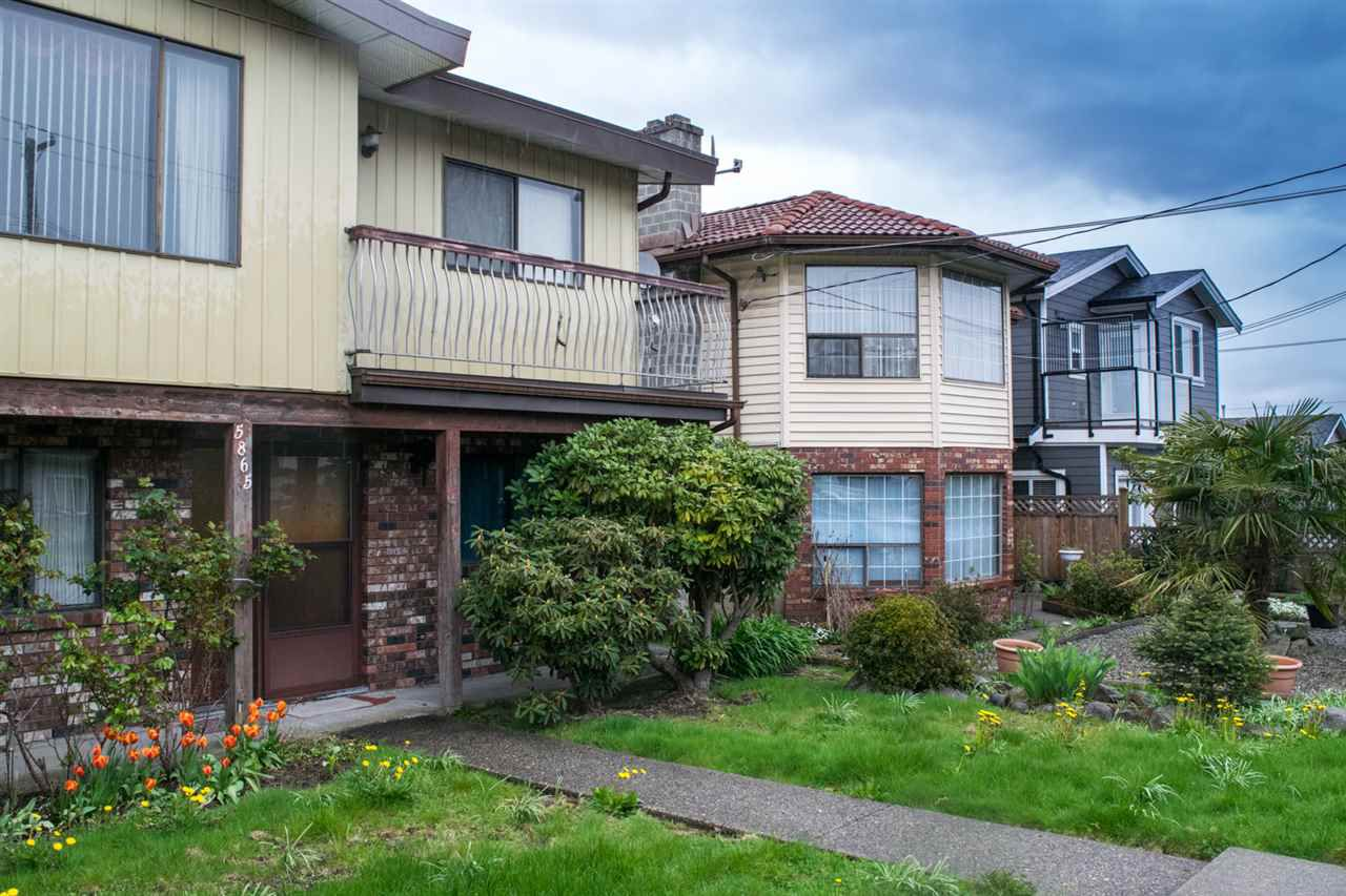 Main Photo: 5865 SPROTT STREET in : Central BN House 1/2 Duplex for sale : MLS®# R2160305