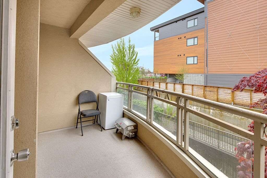 Photo 14: Photos: 209 2285 PITT RIVER ROAD in Port Coquitlam: Central Pt Coquitlam Condo for sale : MLS®# R2163770