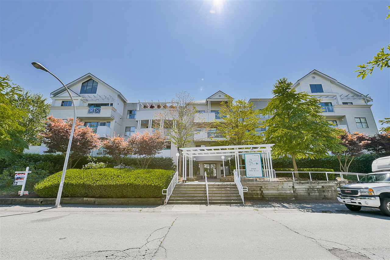 "Main Photo: 206 20268 54 Avenue in Langley: Langley City Condo for sale in ""BRIGHTON PLACE"" : MLS®# R2190927"