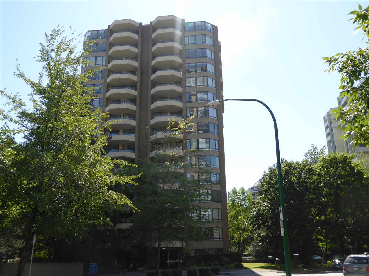 "Main Photo: 1603 6282 KATHLEEN Avenue in Burnaby: Metrotown Condo for sale in ""THE EMPRESS"" (Burnaby South)  : MLS®# R2198837"