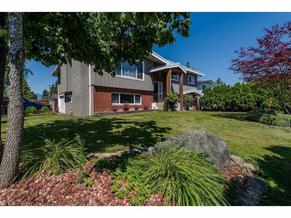 Main Photo: 6411 TYSON Road in Sardis: Sardis West Vedder Rd House for sale : MLS®# R2290597