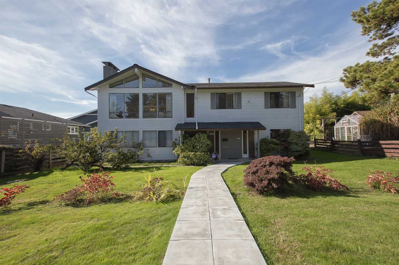 Main Photo: 1025 SUTHERLAND Avenue in North Vancouver: Boulevard House for sale : MLS®# R2316572