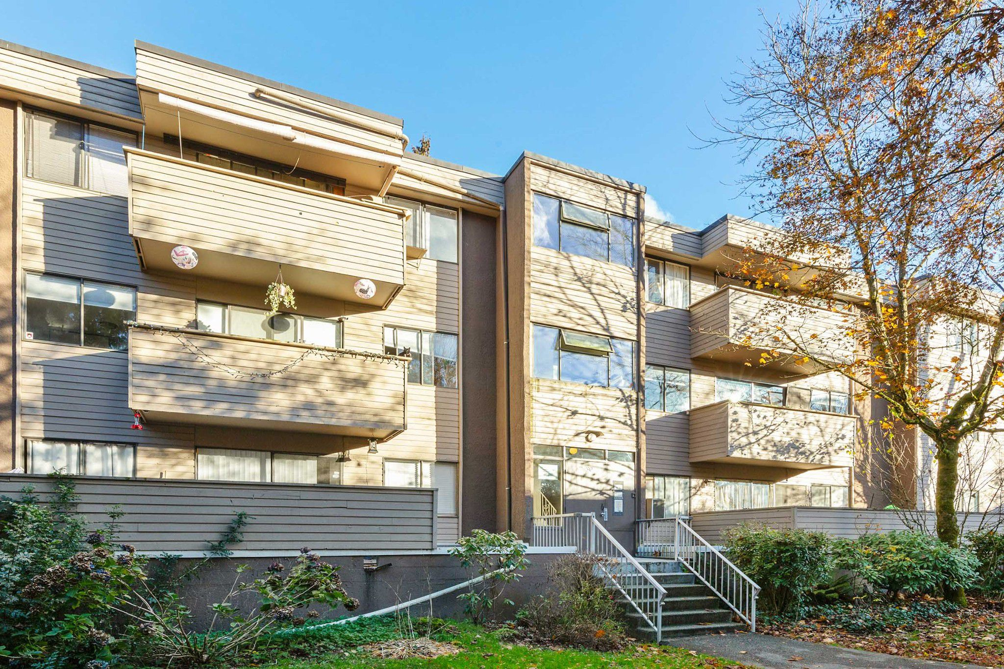 """Main Photo: 24 2430 WILSON Avenue in Port Coquitlam: Central Pt Coquitlam Condo for sale in """"ORCHARD VALLEY"""" : MLS®# R2321065"""