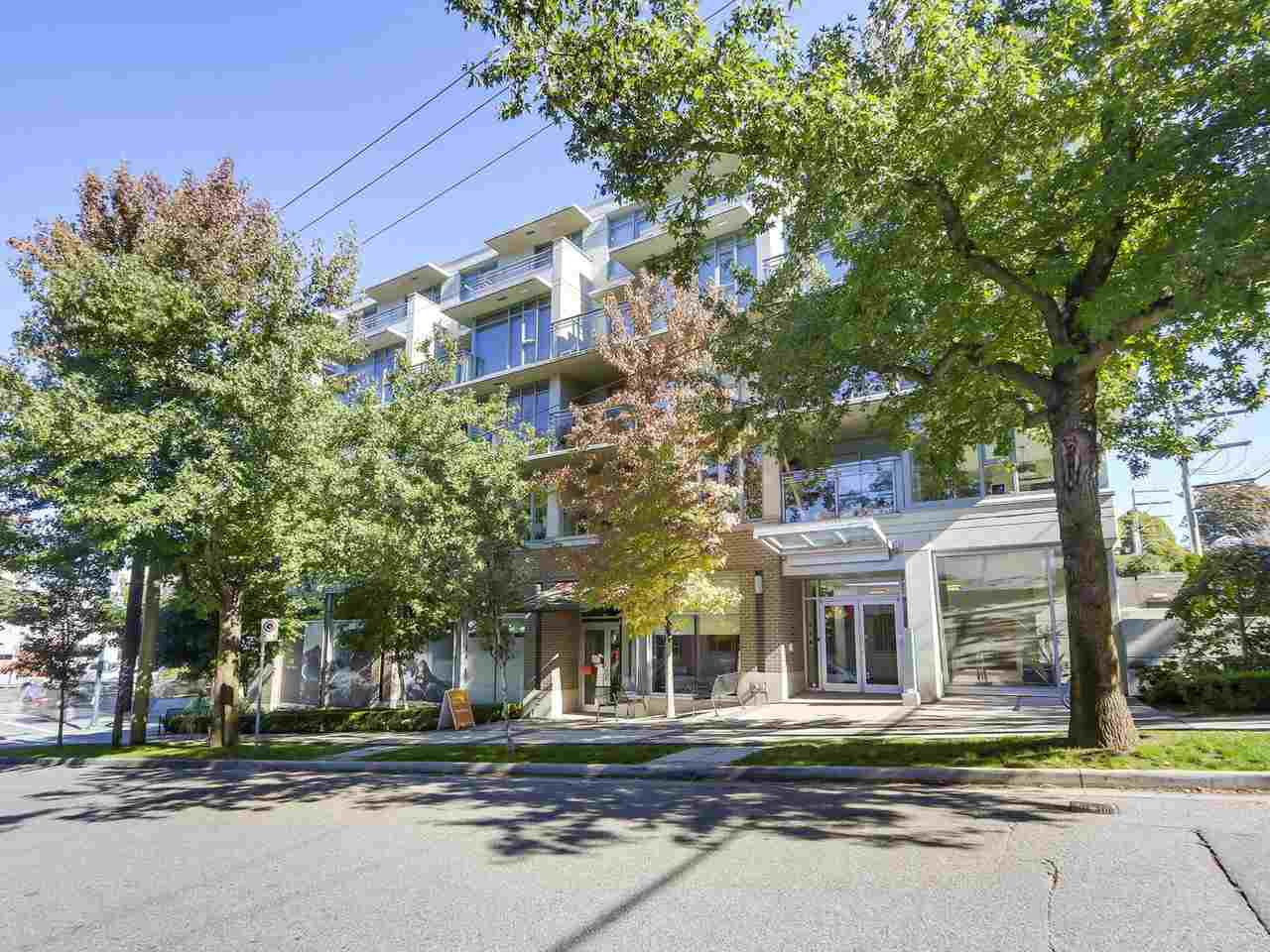 "Main Photo: 412 2520 MANITOBA Street in Vancouver: Mount Pleasant VW Condo for sale in ""The Vue"" (Vancouver West)  : MLS®# R2327864"