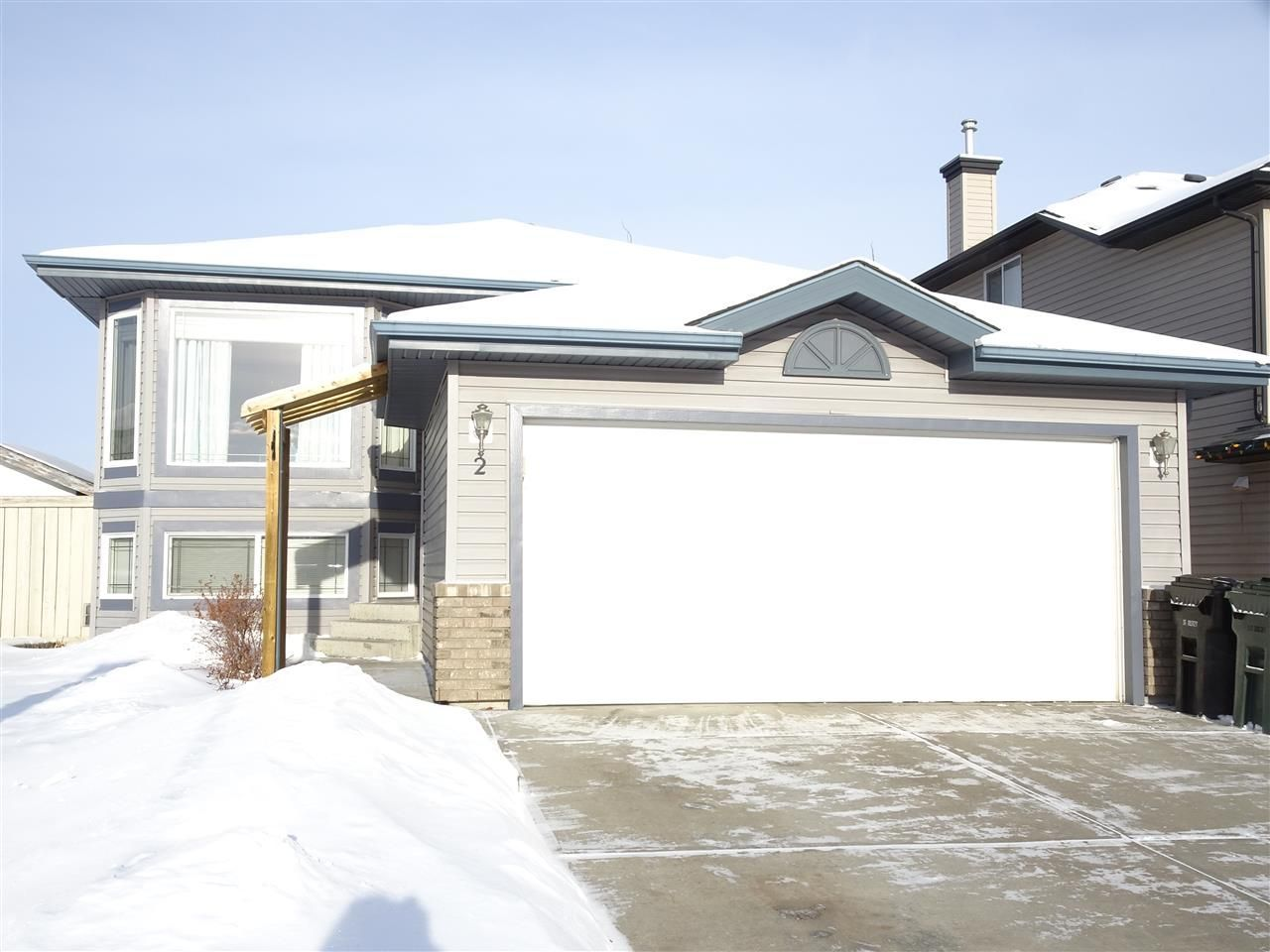 Main Photo: 2 LANDON Crescent: Spruce Grove House for sale : MLS®# E4140036