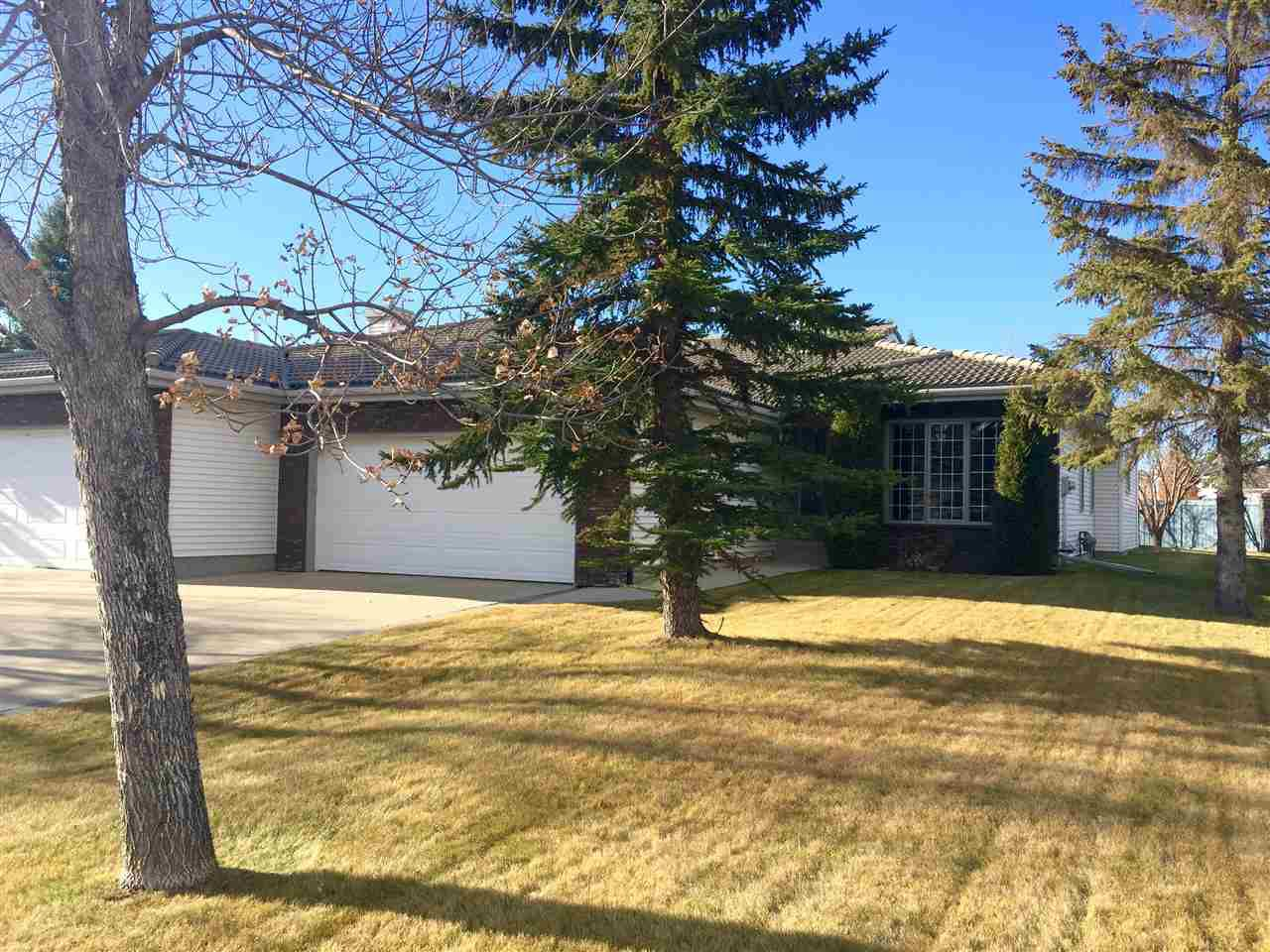 Main Photo: 238 COUNTRY CLUB Point in Edmonton: Zone 22 House Half Duplex for sale : MLS®# E4140287